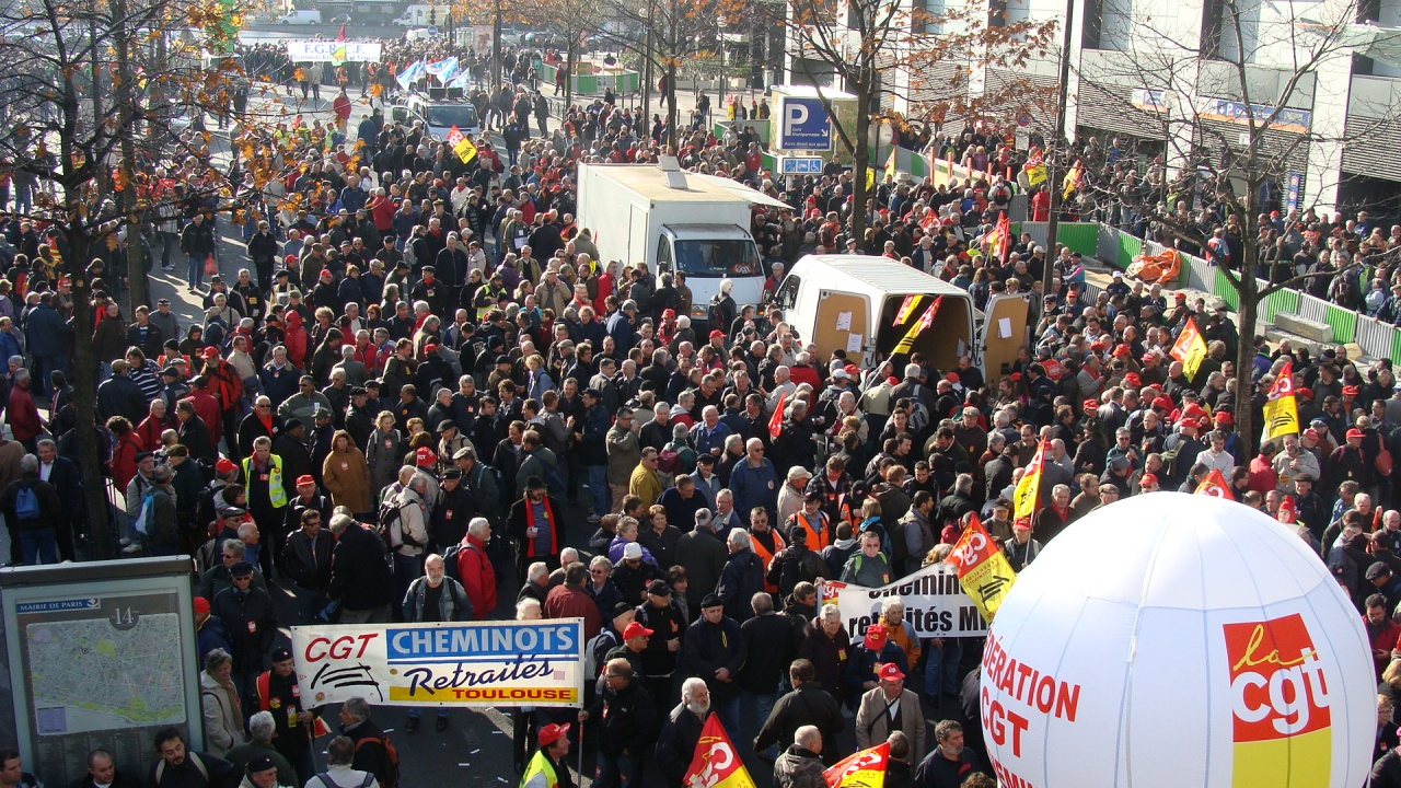 http://retraitecanaris.e-monsite.com/medias/images/2011-11-15-manif-des-retraites-10.jpg